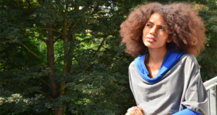 Nneka Nigeria hip hop, soul singer and songwriter